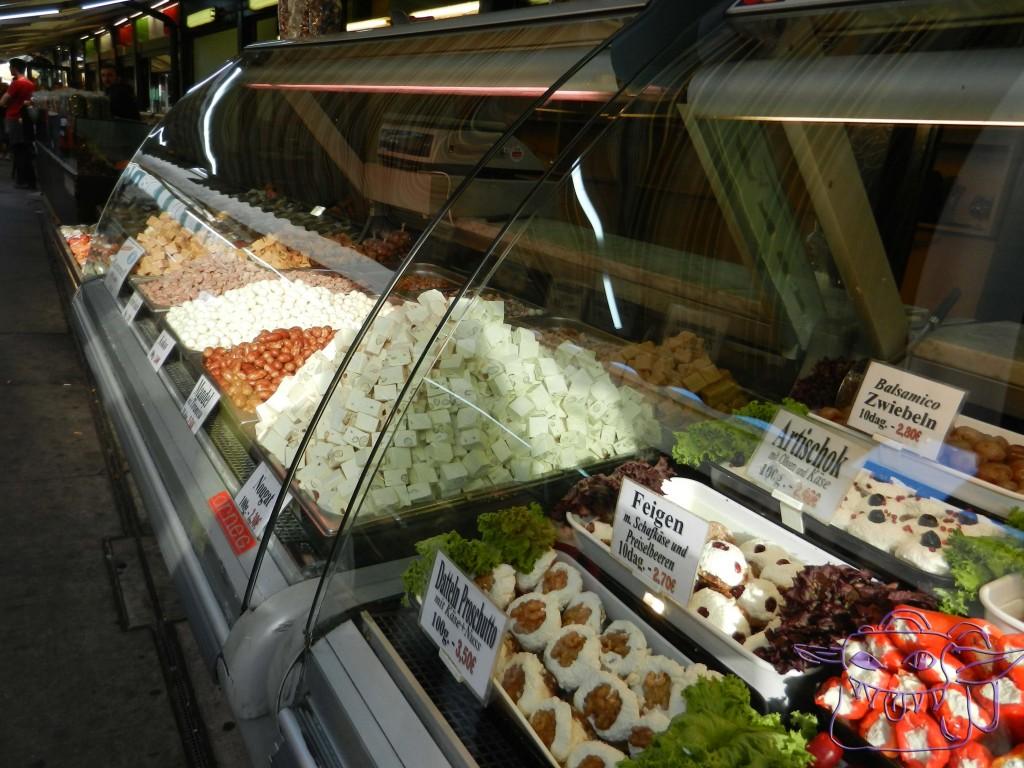 Naschmarkt, Vienna, olives