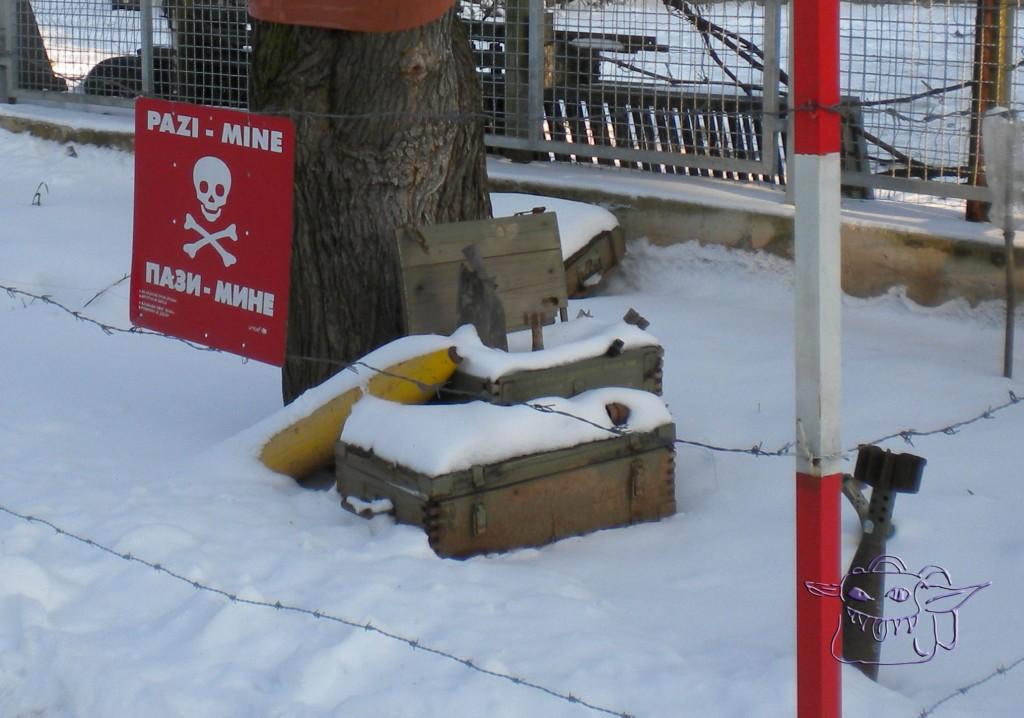 mine field, Sarajevo Tunnel museum, Bosnia, language, sign