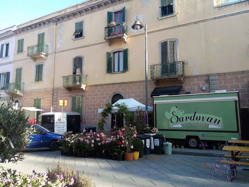 sardovan, street food, sardinia, sardegna, olbia, fiora in olbia